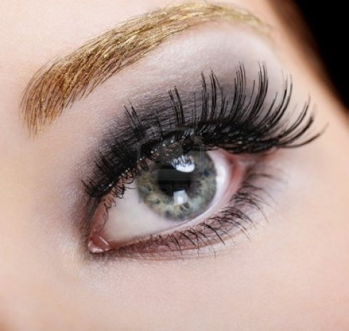4411058-woman-s-eye-with-bright-fashion-make-up-and-black-false-eyelashes